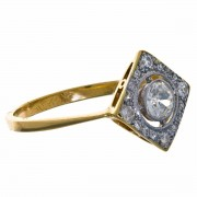 18Ct GOLD & Platinum Diamond Ring. Click for more information...