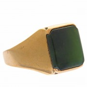 Retro 9CT Gold Nephrite Gents Ring.. Click for more information...