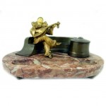 Art Deco Jester Figurine. Click for more information...